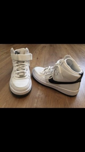 Schöne Nike Schuhe