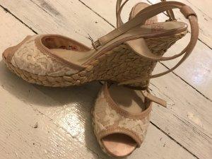 schöne offene Schuhe
