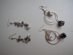 schöne Ohrringe mit Würfeln