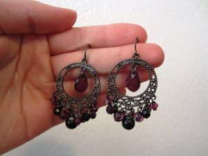 Schöne Ohrringe schwarz/lila