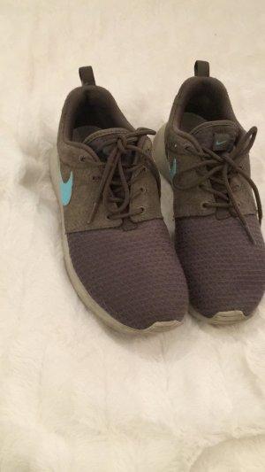 Schöne Oliv Grüne Nike Roshe Run