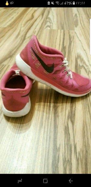 Schöne pinke Nike free