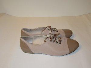 Schöne rosa Zara Schuhe mit Samt Schnürsenkel