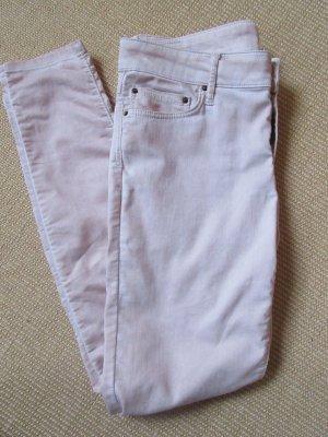 Schöne roséfarbene Jeans