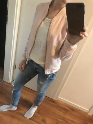 Schöne rosenfarbige Jacke