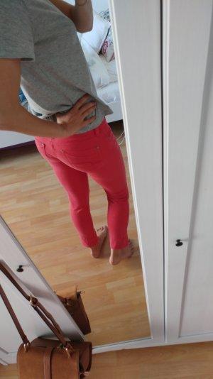 Schöne rote Hose von Mavi!