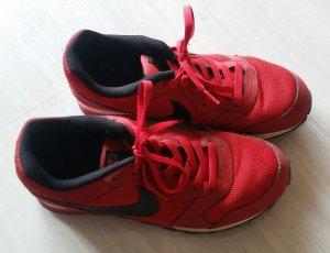 Schöne rote Nike Sneakers Gr. 40