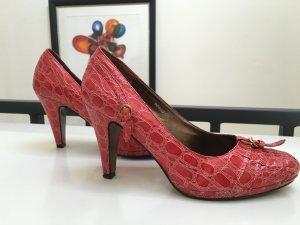 Schöne rote Schlangenleder Pumps von Mizia