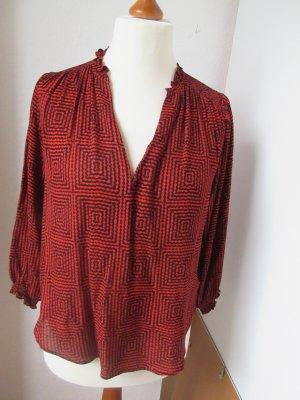 Schöne rote schwarze Bluse mit Muster aus fließender Viskose
