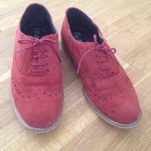 Schöne rote  Slipper