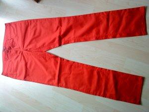 schöne rote Sommerhose von HM 42