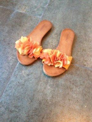 Schöne Sandale in orange und gelb von Inuovo Größe 39