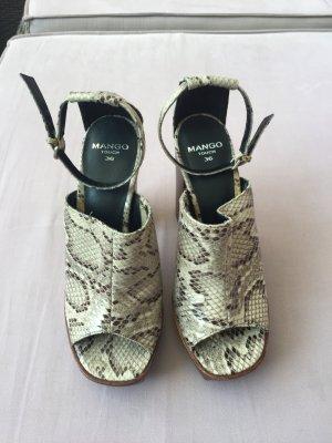 Schöne Sandale von Mango