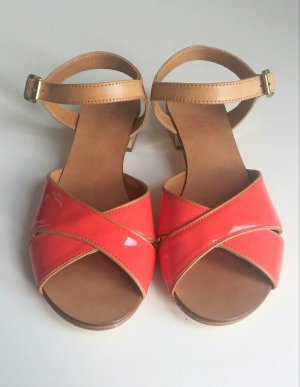 schöne Sandalen aus echtem Leder