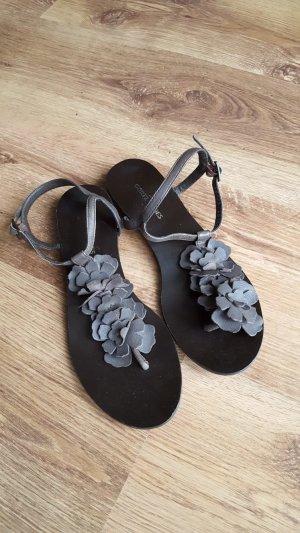 Görtz Shoes High-Heeled Toe-Post Sandals brown