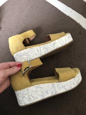 Schöne Sandalen von cos