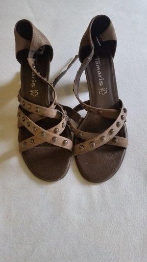 Schöne Sandalen von Tamaris im angesagtem Nieten-Look