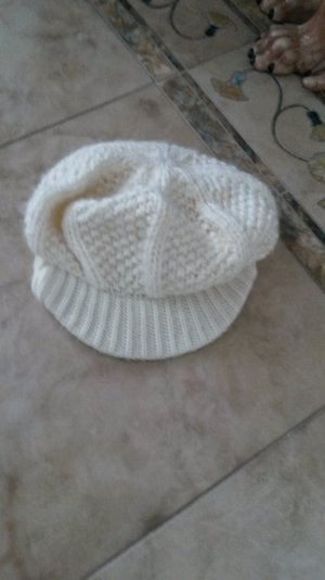 Cappello con visiera bianco sporco