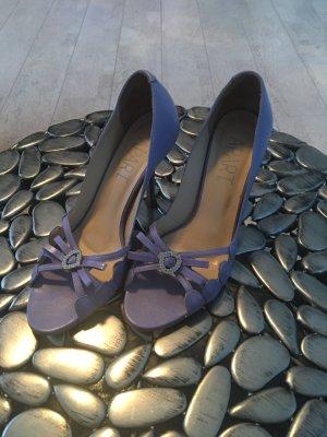 Schöne Schuhe in Flieder/Helllila