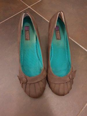 schöne Schuhe mit Keilabsatz