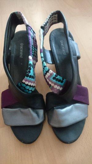 Schöne Schuhe mit Keilabsatz versch. Farben Gr. 38