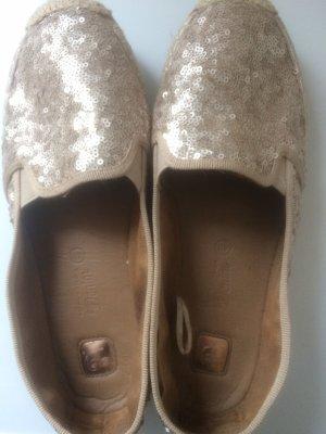 Schöne Schuhe mit Pailetten