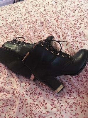 Schöne Schuhe von H&M