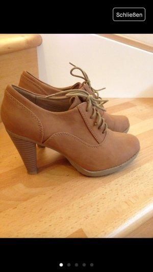 Schöne Schuhe von Jumex