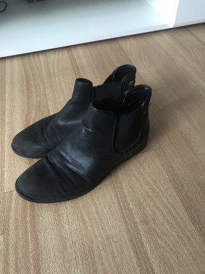 Schöne Schuhe zu verkaufen