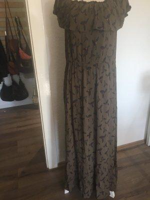Schöne Schulterfreies Kleid mit Volant