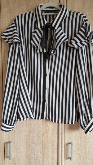 Schöne schwarz-weiß-gestreifte Bluse von Zara - Gr. XL