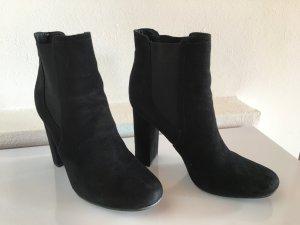 Schöne schwarze Ankle Boots, Wildleder, Gr. 38