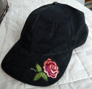 Schöne schwarze Cap mit rosa Rose, Gr M.