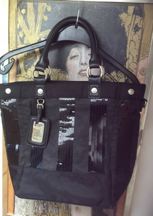 Schöne schwarze GGL Tasche