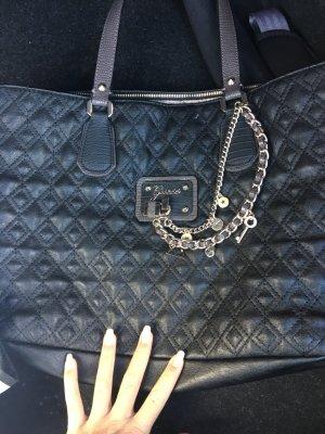 Schöne schwarze guesstasche