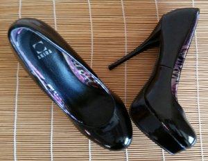 Akira High Heels black
