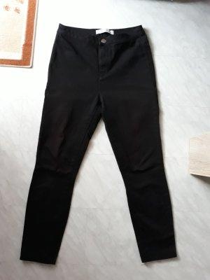 Schöne schwarze Highwaist Jeans