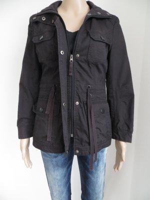 Schöne schwarze Jacke