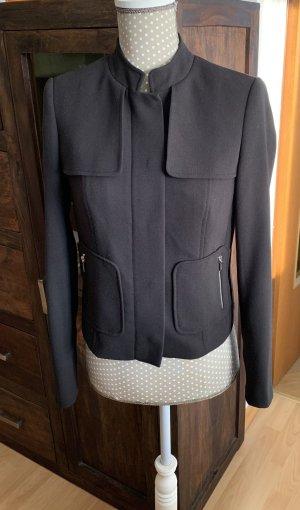 Schöne schwarze Jacke von TOMMY HILFIGER