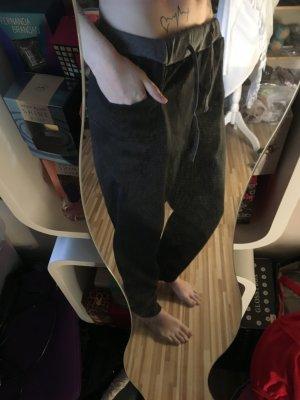 Schoene schwarze Jogginghose in S/M