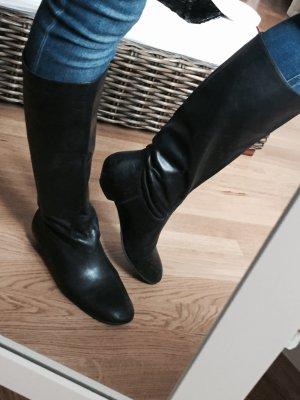Schöne schwarze Leder Stiefel von Buffalo