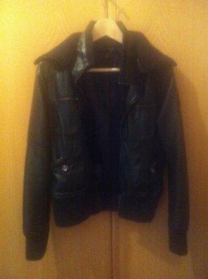 schöne, schwarze Lederjacke