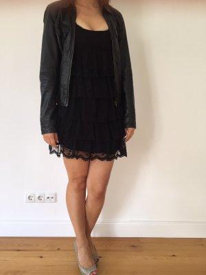 Schöne schwarze Lederjacke der Marke Zara