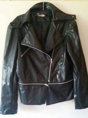 Schöne schwarze neue dünne Jacke - fällt kleiner aus -
