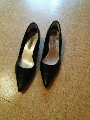 Ariane Pointed Toe Pumps black