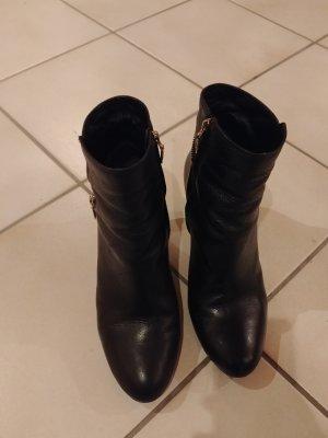 Schöne schwarze Stiefeletten von Geox