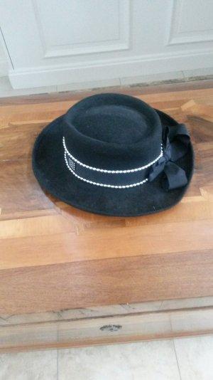 schöne schwarzes Hut mit silberne nieten wie neu!