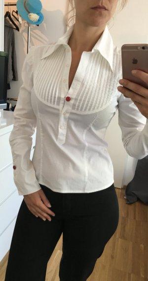 Schöne sehr taillierte Bluse