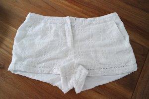 Schöne Shorts / Hot Pants mit Stickerei Gr. S