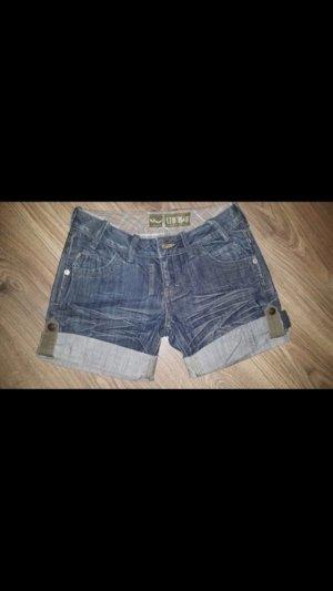Schöne Shorts von LTB